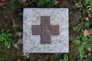 Grabzeichen Granit / Cortenstahl