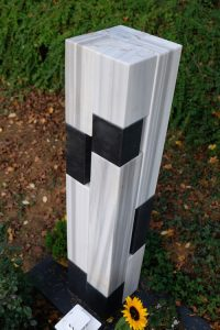 Grabmal Markus Wolf Marmor Basalt